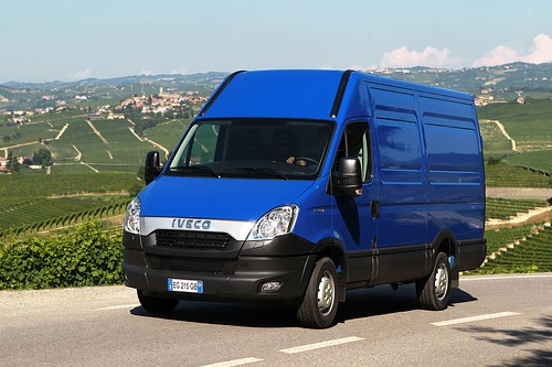 IVECO 小型巴士